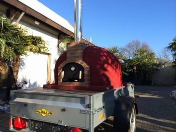 Verhuur Brick oven Rojo op aanhanger